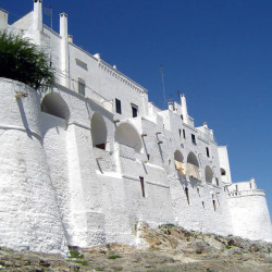 defensive-walls-of-ostuni-puglia
